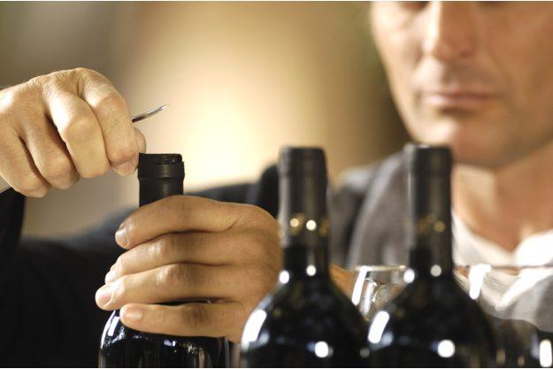 Weinseminar in Nürnberg - Rotwein öffnen
