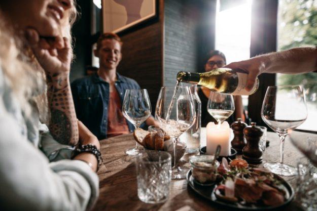 Weinseminar Stuttgart - mit Freunden Wein trinken