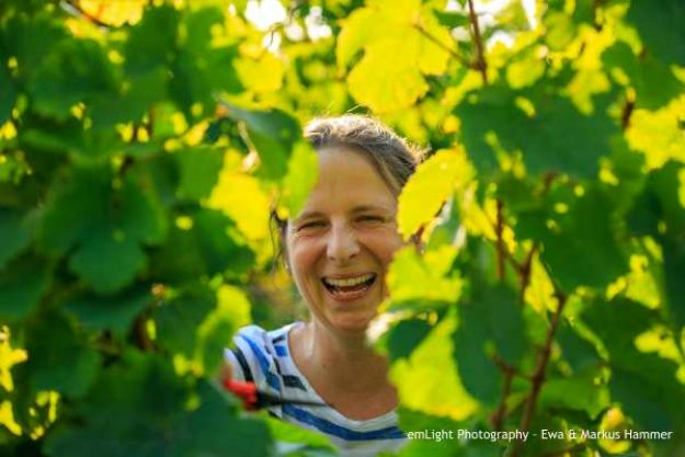 Weinwanderung online mit Essen Winzerin