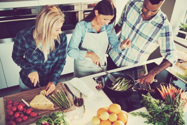 Wellness-Kochkurs Frankfurt – Freunde kochen