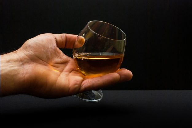 Whisky-Tasting Essen – Whisky in der Hand