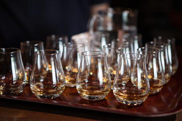 Whisky-Tasting-Köln-Gläser mit Whisky