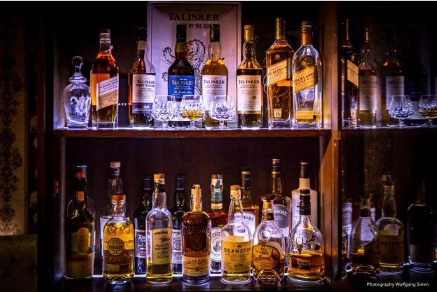 Whisky-Tasting Stuttgart – Whiskyflaschen im Regal
