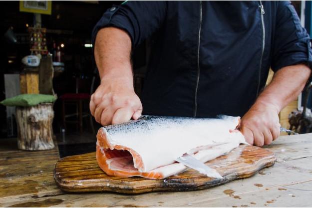 Sushi-Kurs-Bonn – Fisch filetieren