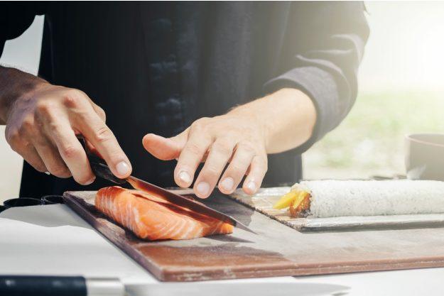 Sushi-Kurs-Fortgeschrittene-Bonn – Fisch filetieren