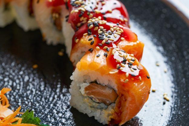 Sushi-Kurs-Fortgeschrittene-Bonn – appetitliche Sushi-Rolle