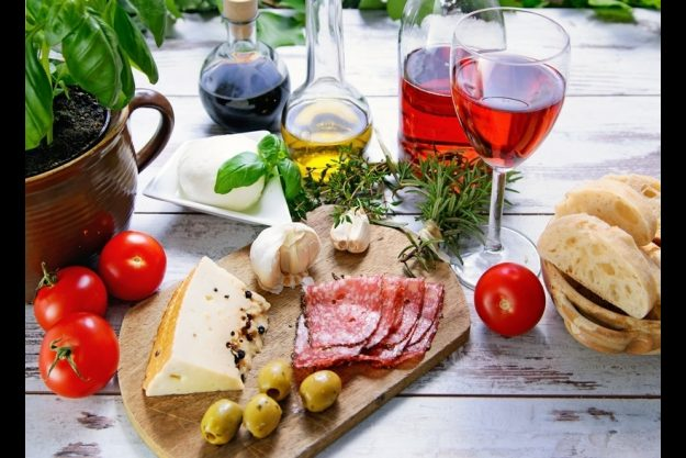 Weinproben in Bonn mit Antipasti