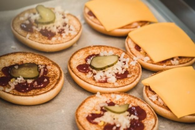 Burgerkurs Düsseldorf –Käse und Gürkchen