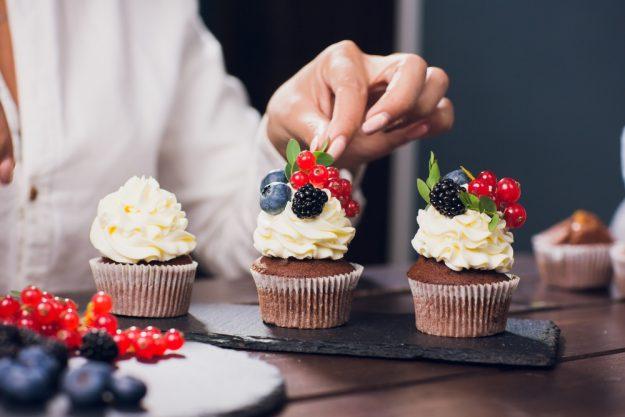 Cupcake-Backkurs Düsseldorf – Cupcakes garnieren