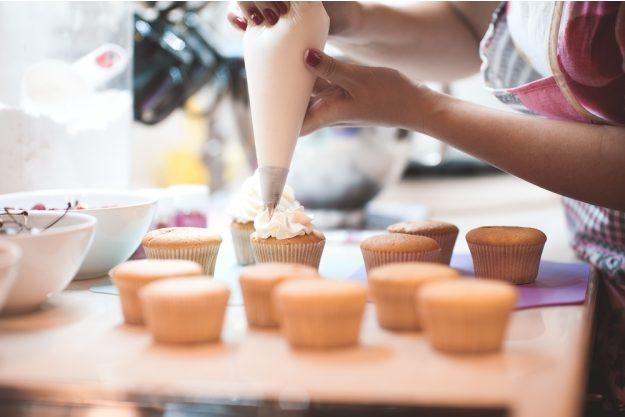 Cupcake-Backkurs Düsseldorf – Topping mit Cremetuelle