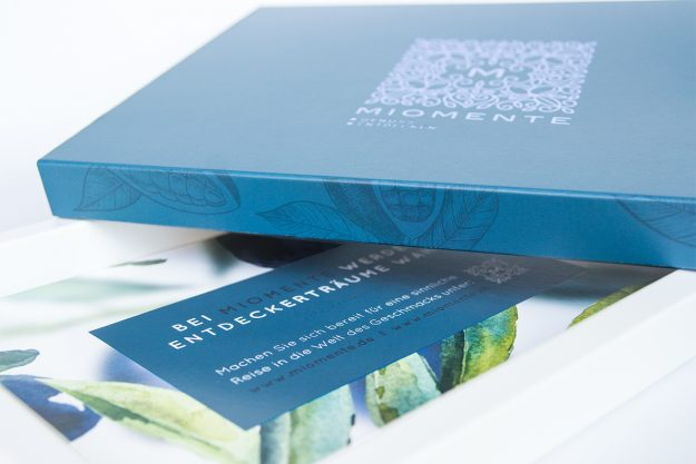 Geschenkgutschein –Geschenkbox veredelt mit einer schimmernden Heißprägefolie