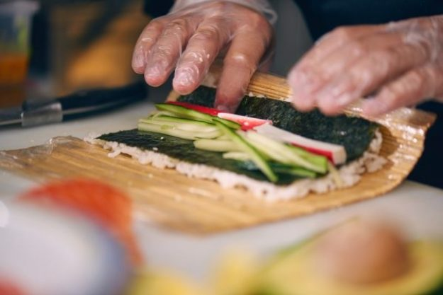 Sushi-Kurs Düsseldorf – Sushi rollen