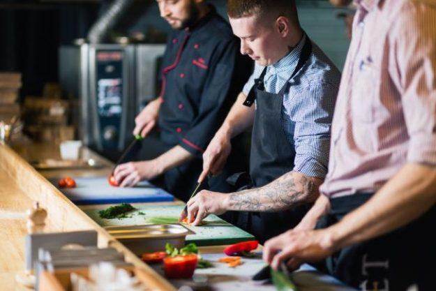 Sushi-Kurs Düsseldorf – Männer kochen Sushi