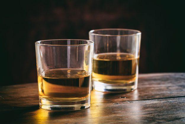 Whisky-Tasting Düsseldorf – goldener Whisky