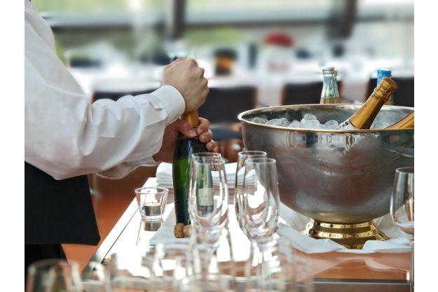 Candlelight Dinner Nürnberg - edler Champagner