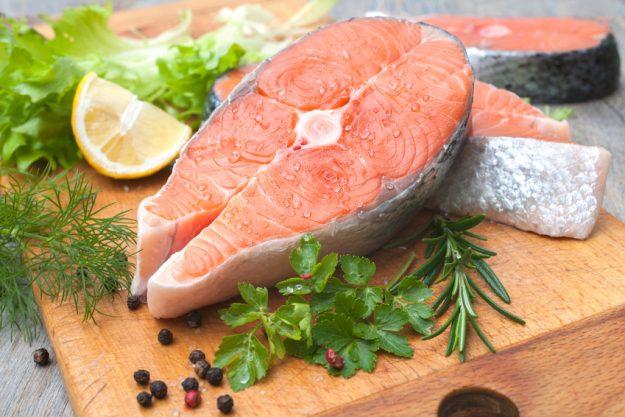 Fisch-Kochkurs Nürnberg - rohes Lachssteak