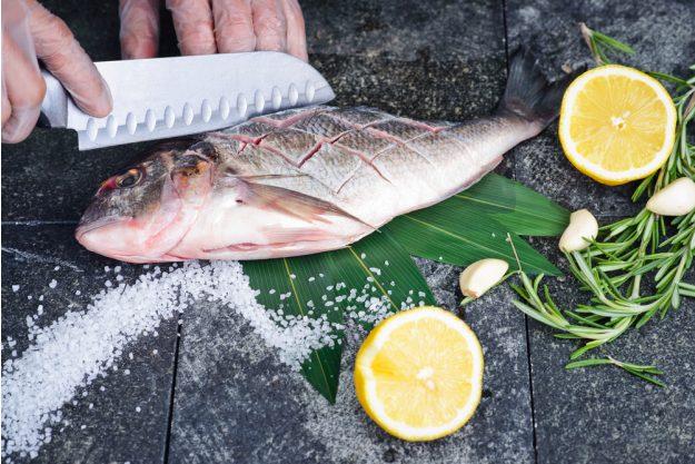 französischer Kochkurs Nürnberg - Fisch einschneiden
