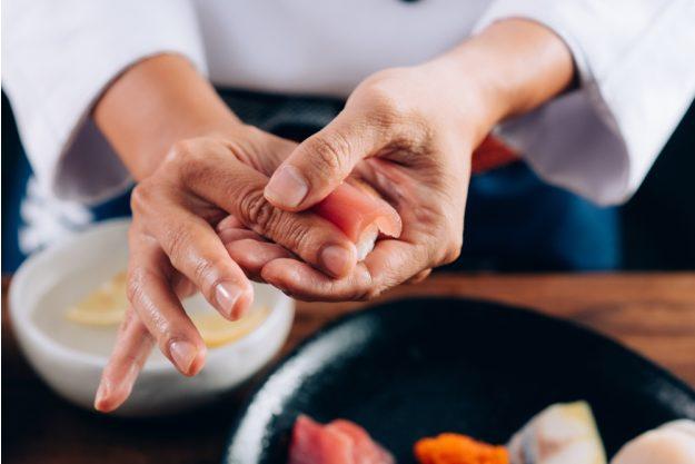 Sushi-Kurs Nürnberg –  Thunfisch für Sushi rollen