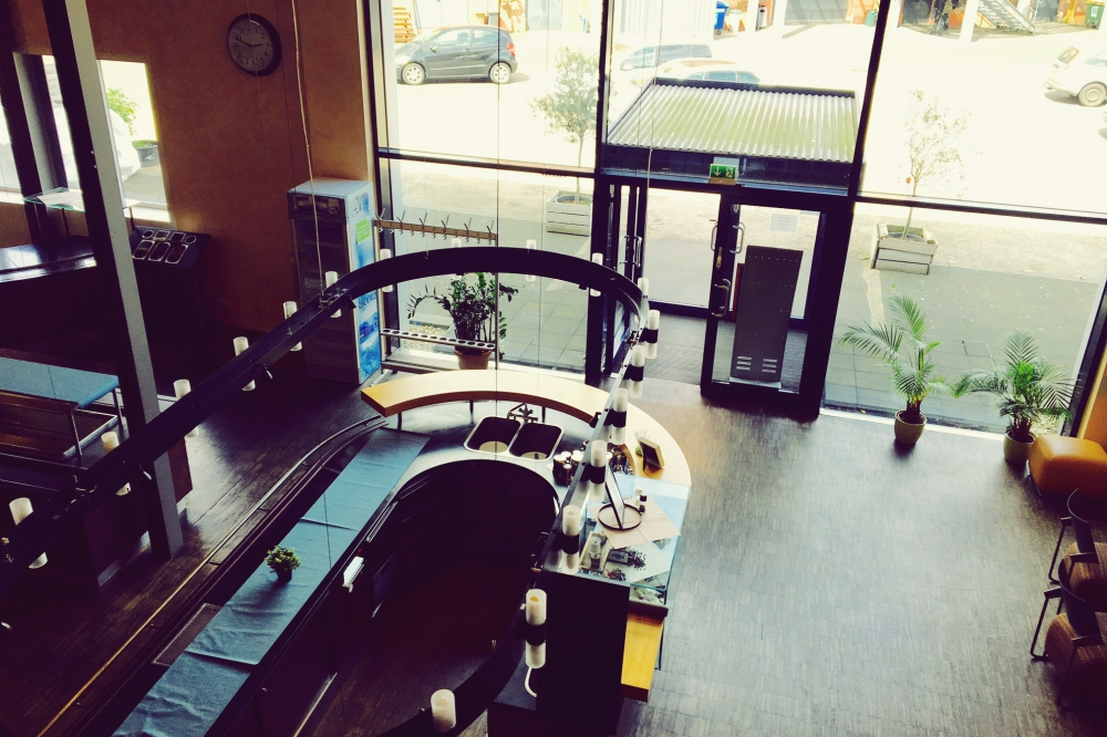 L & D GmbH & Co. KG - Bistro im Studio 478